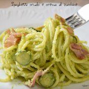 Spaghetti crudo e crema di zucchine
