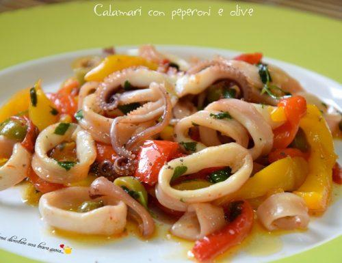 Calamari con peperoni e olive
