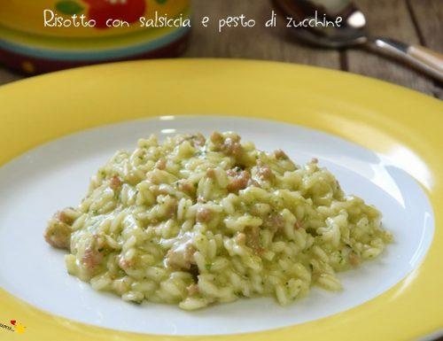 Risotto con salsiccia e pesto di zucchine