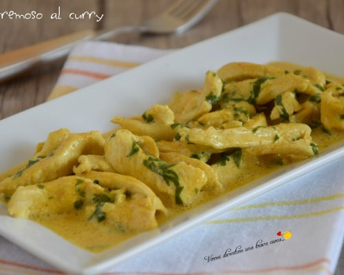 Pollo cremoso al curry