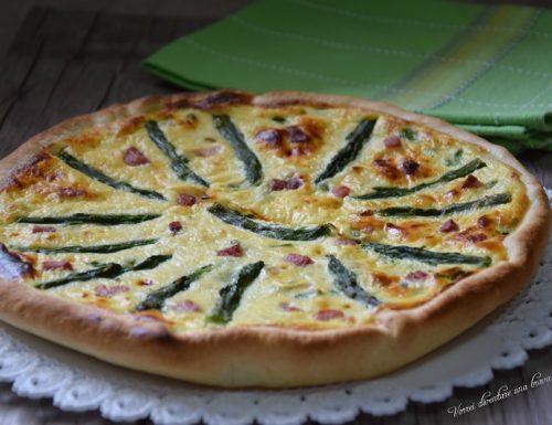 Torta salata con asparagi e ricotta