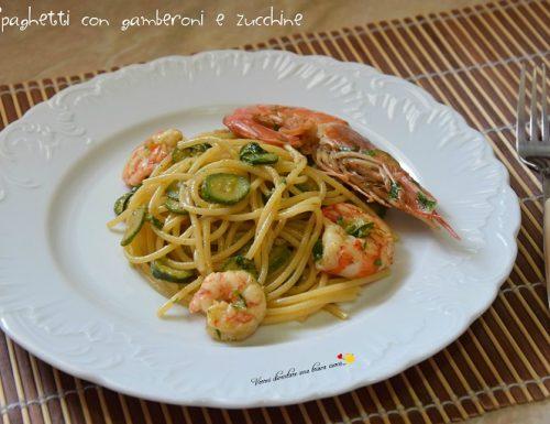 Spaghetti con gamberoni e zucchine