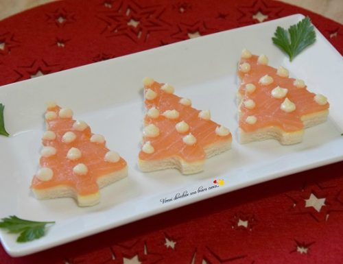 Alberelli di pancarrè con salmone