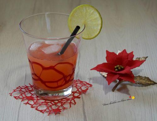 Cocktail al lime e ananas
