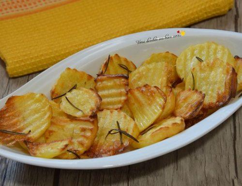 Patatine rustiche al forno