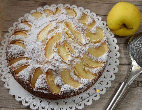 Torta con mele e yogurt greco