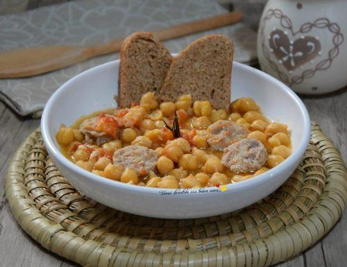 Zuppa di ceci con salsiccia