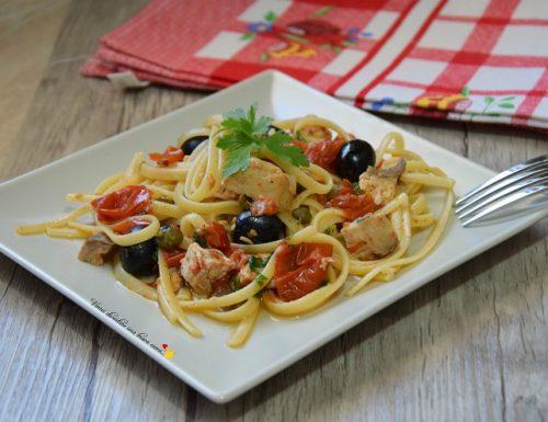 Linguine con spada olive e pomodorini