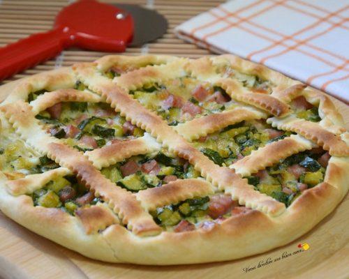 Torta salata con zucchine cotto e scamorza