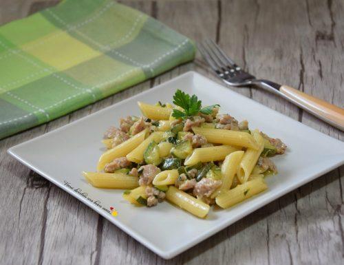 Penne con zucchine e salsiccia