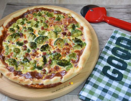 Torta salata con broccoli e pancetta