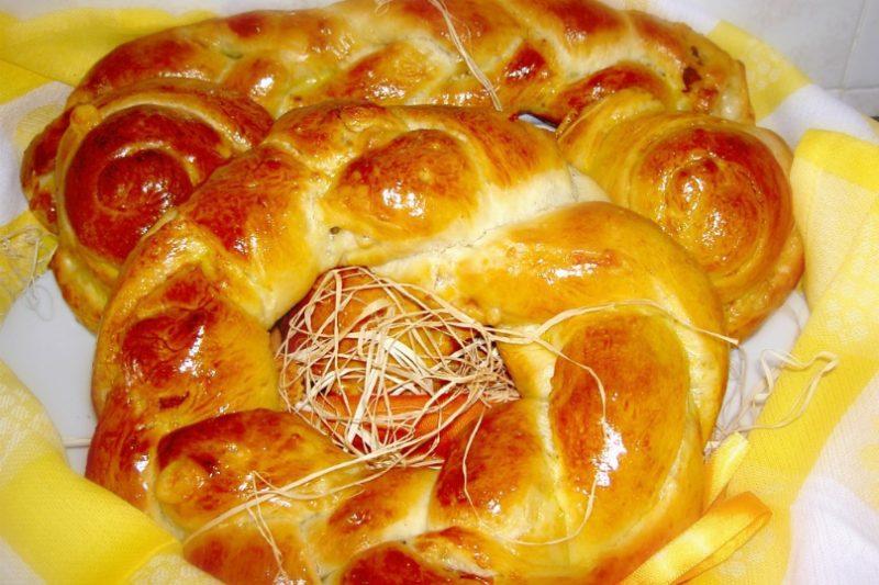 Treccia di pane  speck e formaggio
