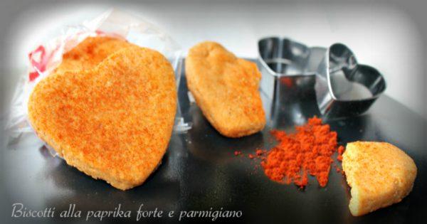 Biscotti alla paprika forte e parmigiano