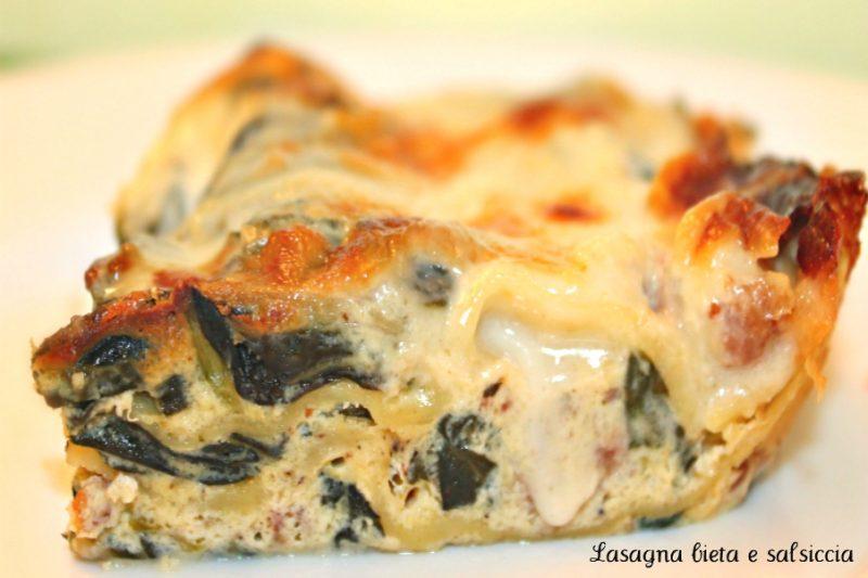 Lasagna con salsicce e bietole