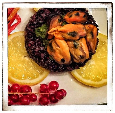 Riso nero Venere con Pesto di Basilico e Cozze