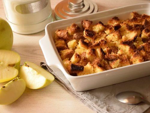 Crumble di mele e pandoro alla cannella