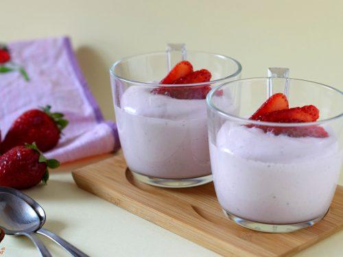 Crema di fragole, ricetta veloce e senza cottura