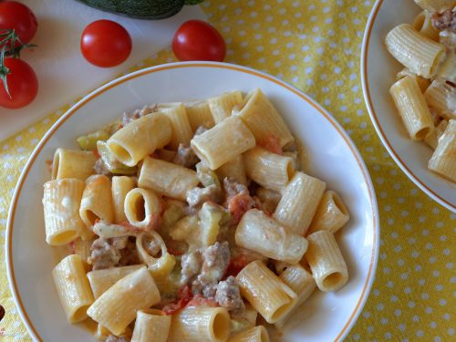 Pasta salsiccia e curry