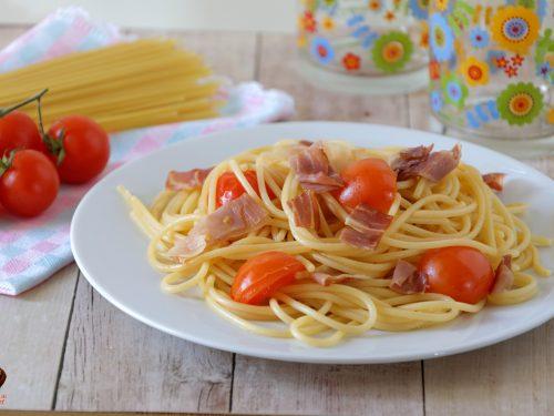 Pasta con speck e pomodorini