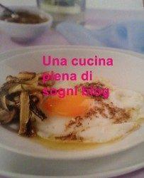 Uova con acciughe e trito aromatico
