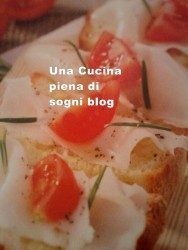 Crostini con lardo e pomodorini