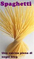 Spaghetti: Spaghetti con cipolla di tropea, tonno fresco e pomodorini