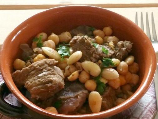 Spezzatino-al-curry-con-ceci-e-mandorle