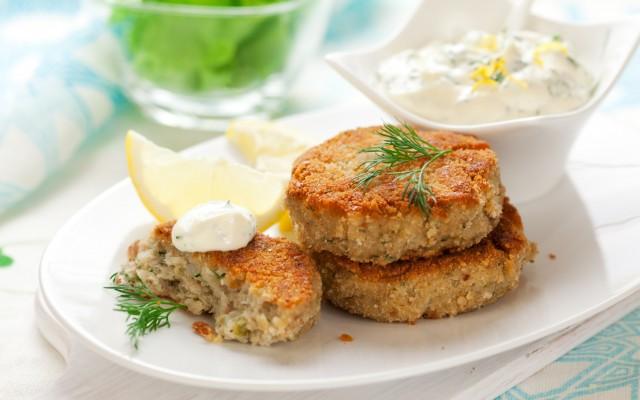 omega-3-a-tavola-la-ricetta-delle-polpette-di-pesce-2-4-640x400