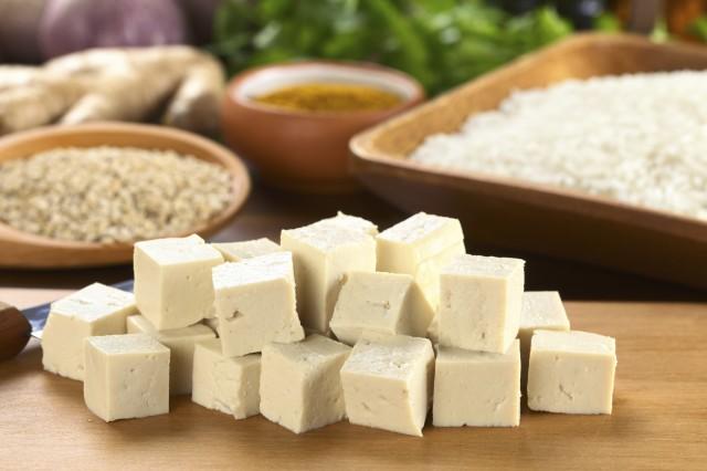 ricette-con-tofu-insalata-mousse-cioccolato-6-640x426