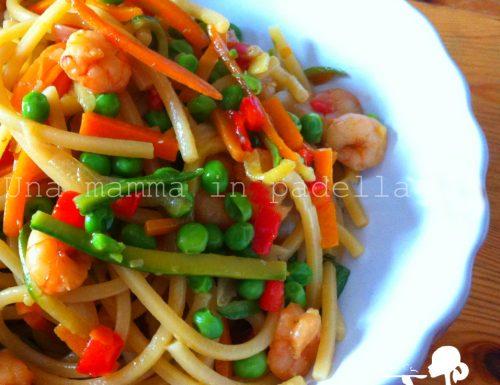 Spaghetti quadrati gamberi e verdure