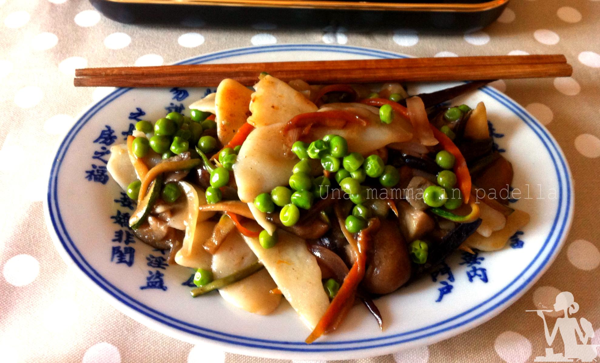 Gnocchi di riso con funghi e piselli