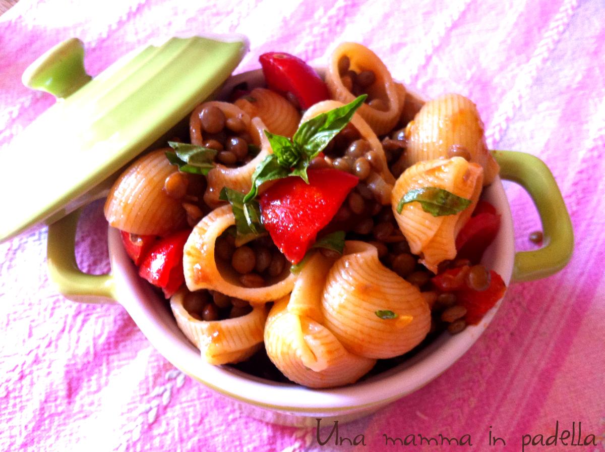 Insalata di pasta con lenticchie
