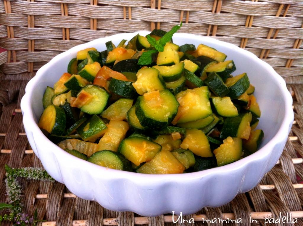 Zucchine in padella una mamma in padella for Cucinare zucchine in padella
