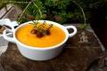 Vellutata patate e carote con funghi trifolati
