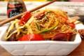 Spaghetti di soya saltati