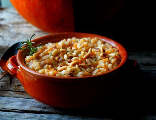 zuppa di farro zucca e pinoli