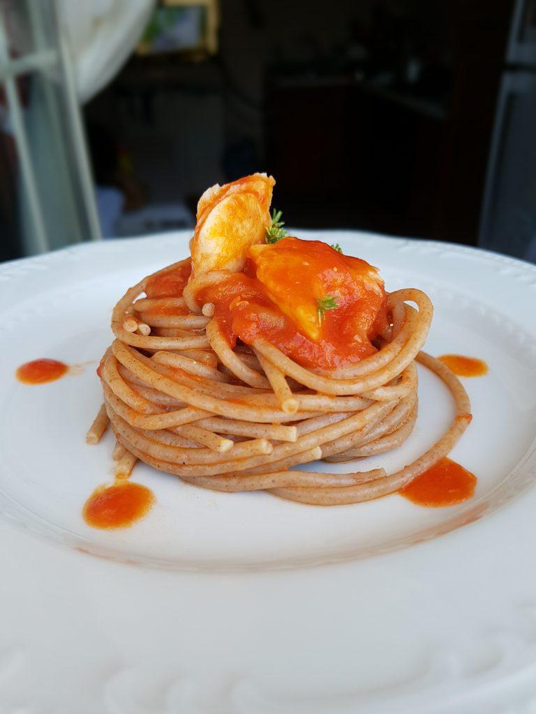 spaghetti con pomodorini e merluzzo