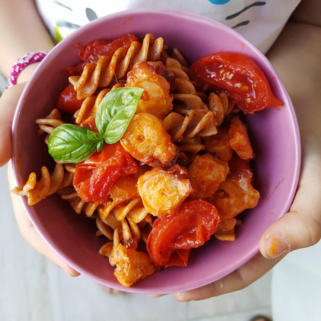insalata di pasta polpo e pomodorini