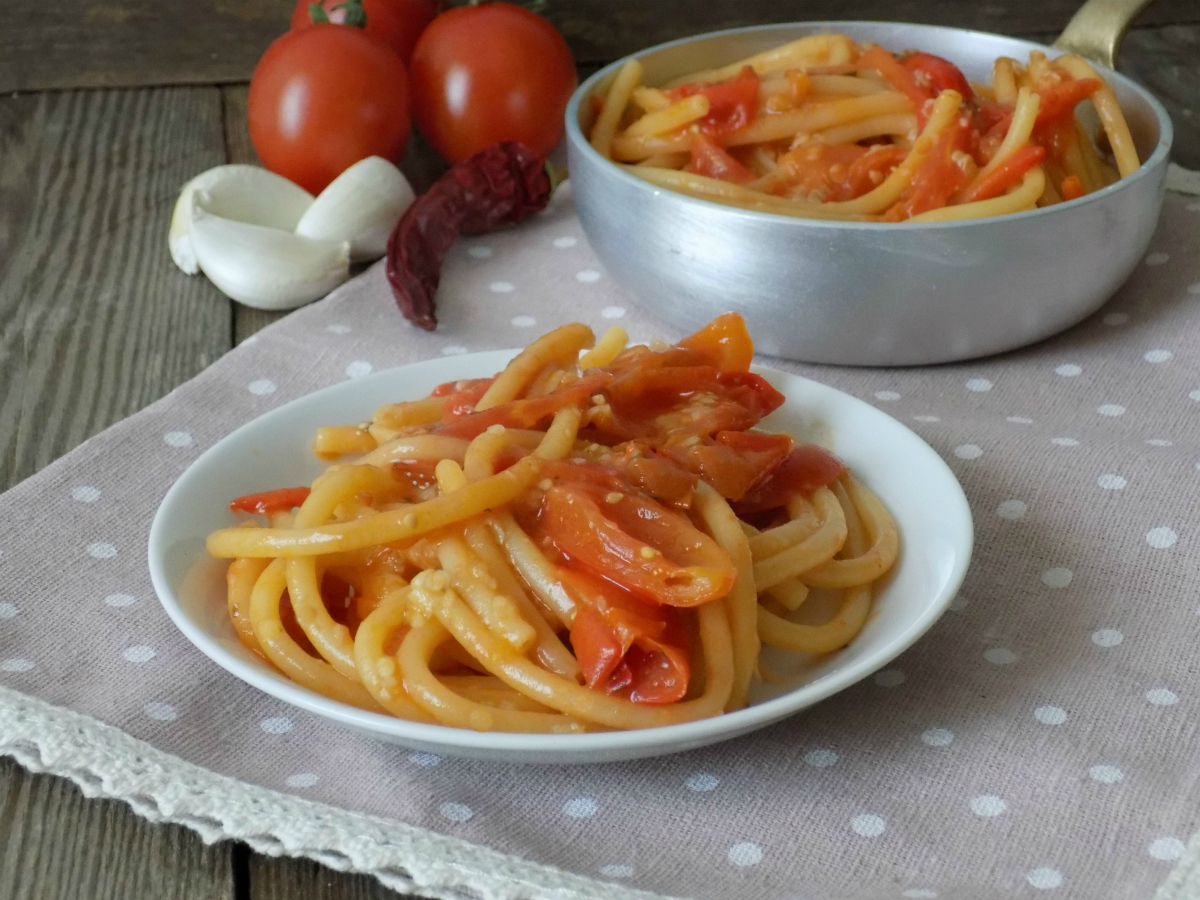 Bucatini all 39 aglione a modo mio ricetta semplice e veloce for Cucina veloce e semplice