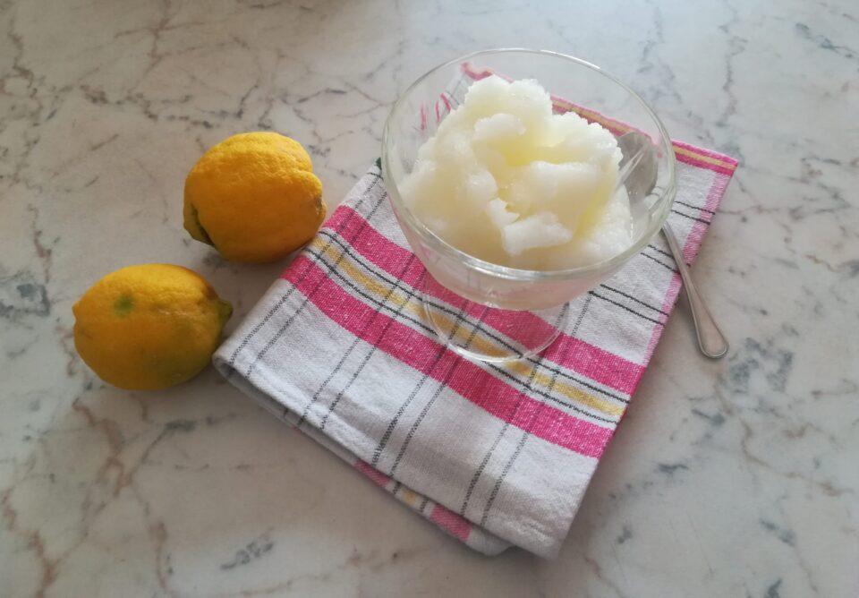 Granita al limone a modo mio