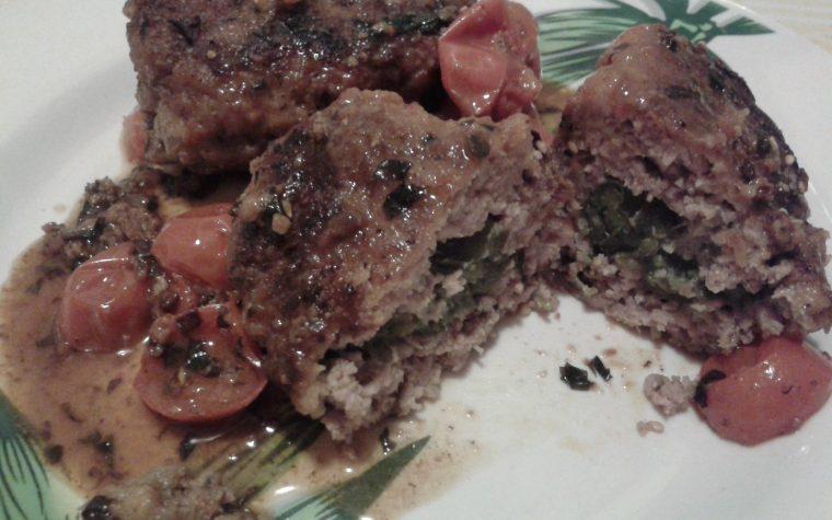 Polpette con ripieno di peperoni verdi