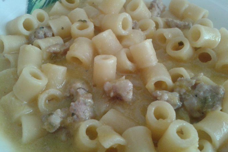 Pasta alla crema di zucca e salsiccia