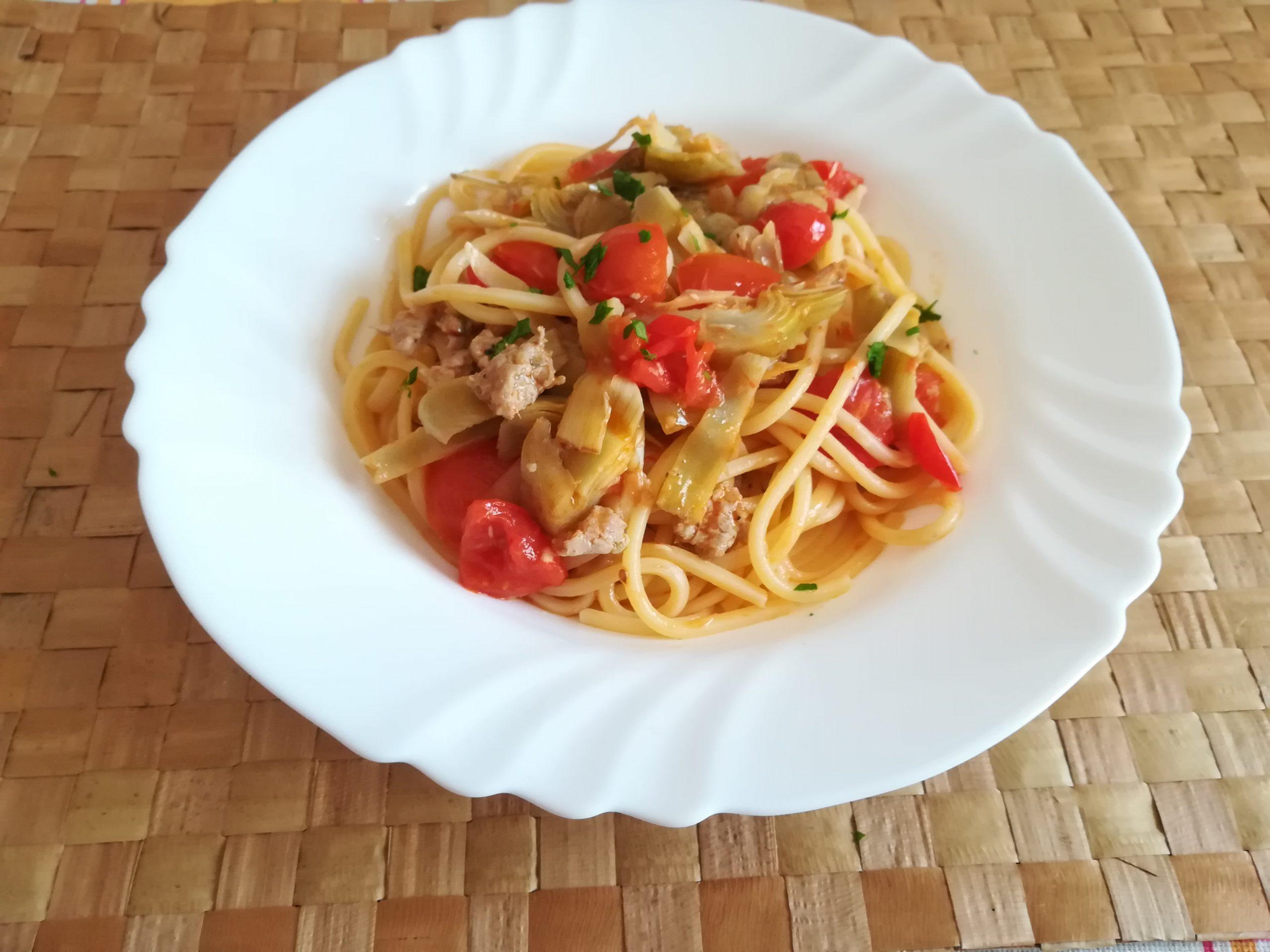 Pasta con Salsiccia e Carciofi