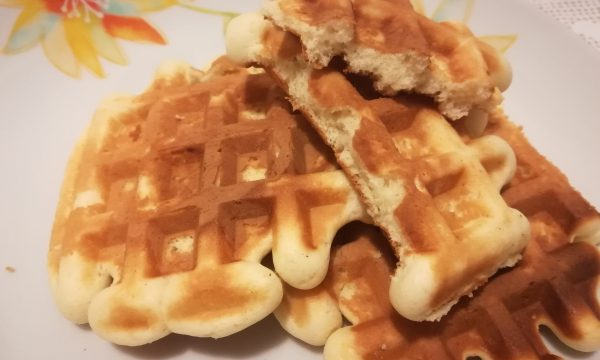 Waffle morbidi allo yogurt
