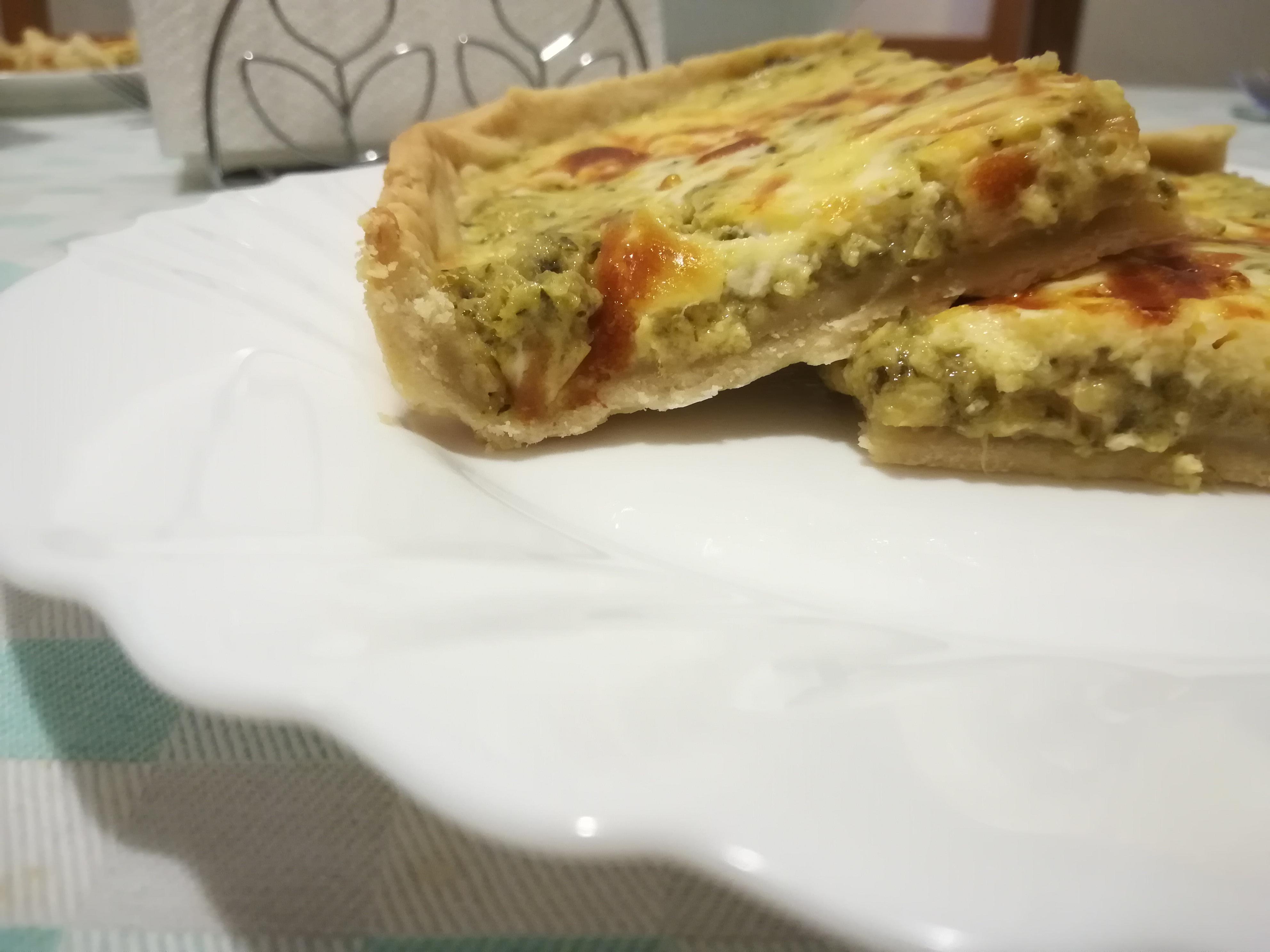 Crostata salata con zucchine e tonno