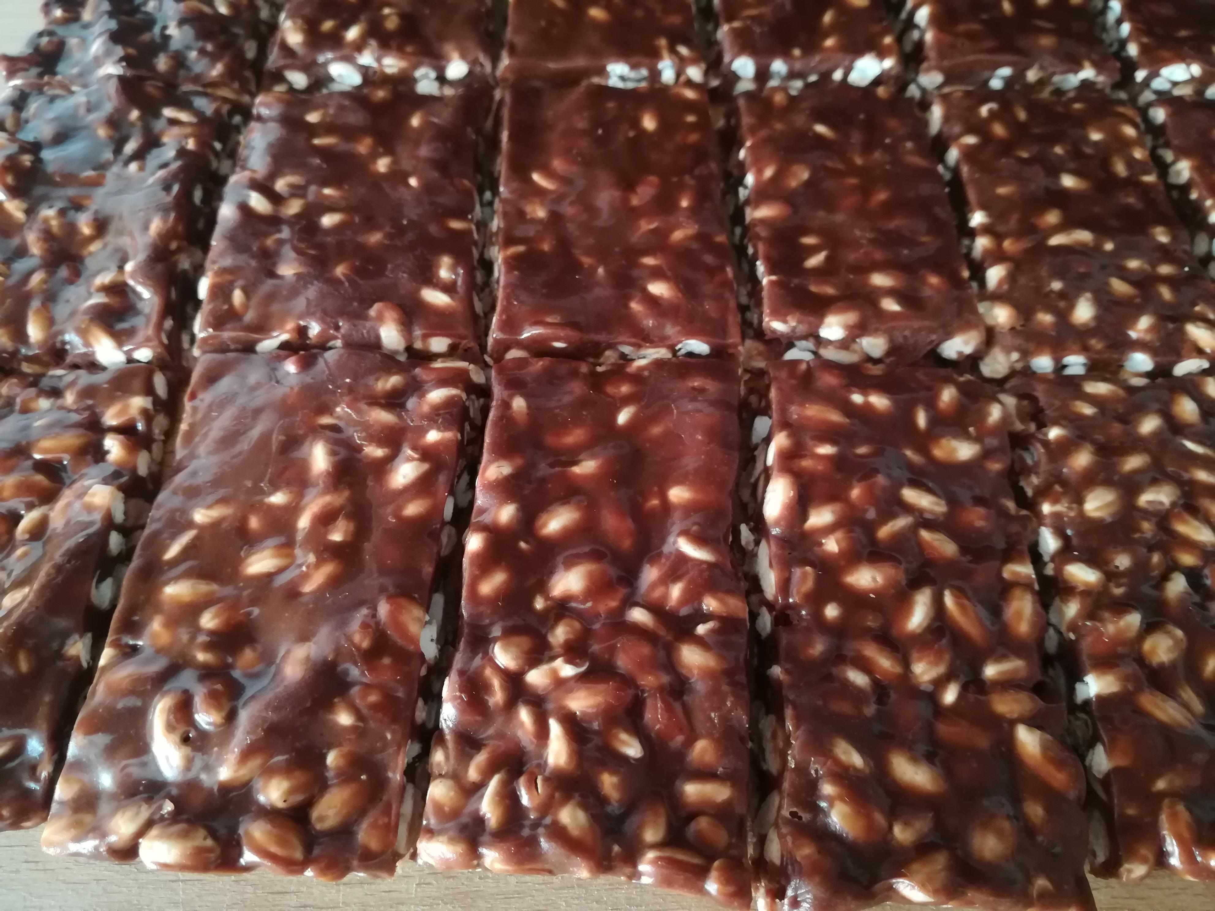 Barrette di cioccolato e riso soffiato