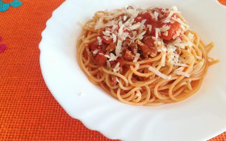 Spaghetti con sugo di manzo