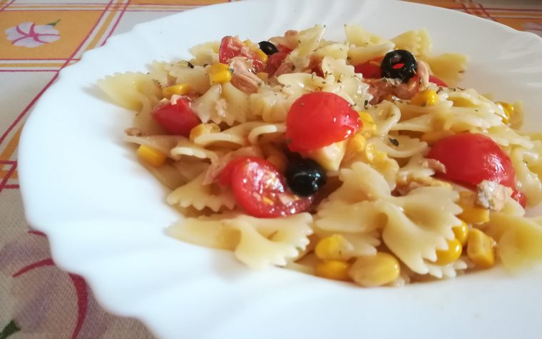 Farfalle allegre in insalata