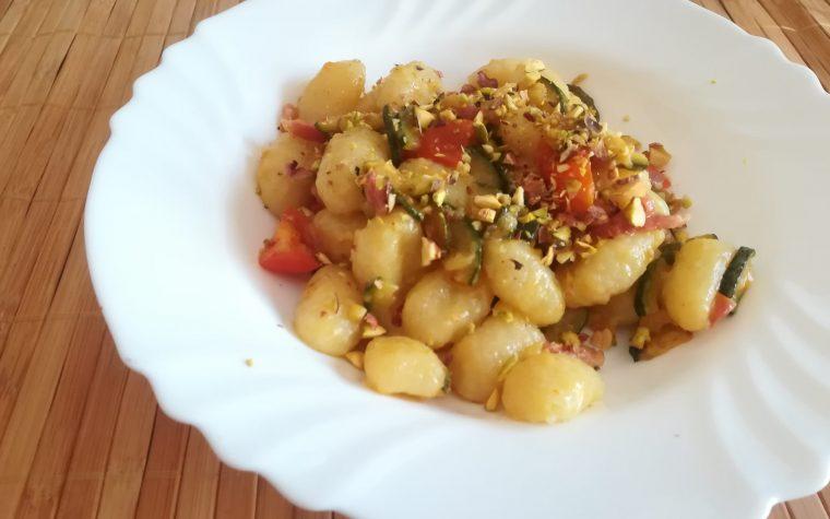 Gnocchetti con zucchine e pancetta