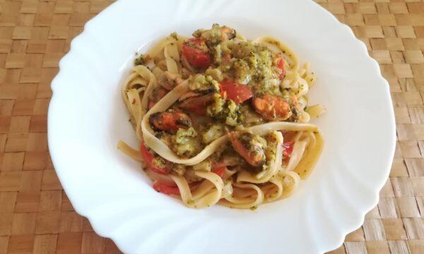 Pasta con cozze e broccoletti